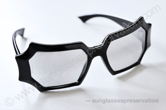 CHANEL mod 40792 S0164 fw09 cruise ph. © sunglassespreservation