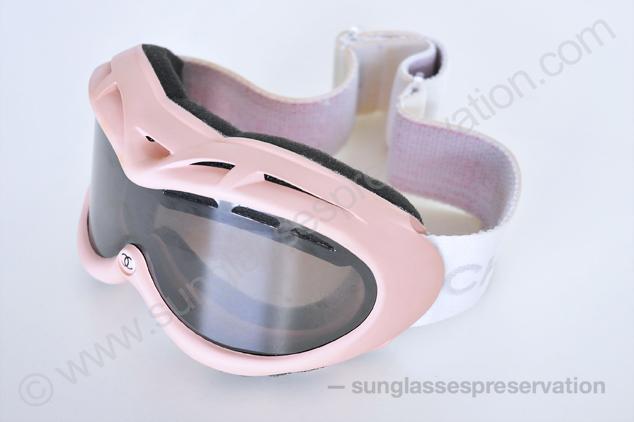7c81c6624fbc3 Chanel ski goggles New
